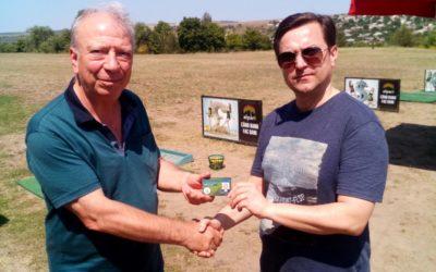 Înmînarea cărții de membru dlui Evghenii Stefanov Stoichev!